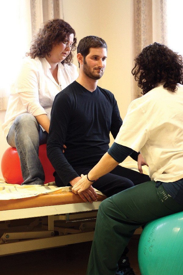 Dror Kendelstein receives physio at a Beit Halochem Centre