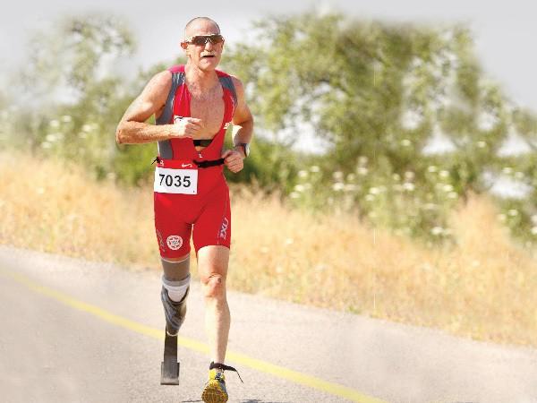 Adi Deutsch running a marathon